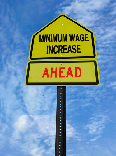 The Negative Effects of Raising Minimum Wage in America