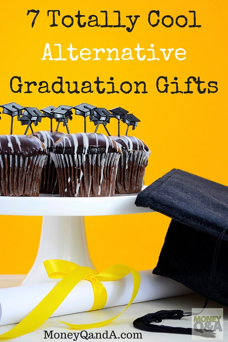 7 Alternatives to Money for Graduation Gifts