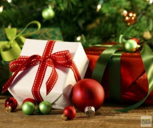 Why You Need to Start a Holiday Gift Savings Fund Right Now